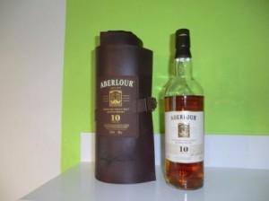 Eine Flasche 10 jahre alter Aberlour Whisky
