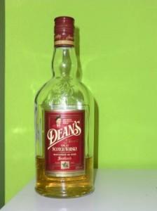 Eine Flasche Dean's Finest Old Scotch Whisky