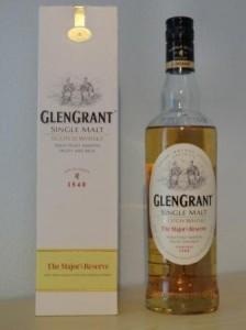 Eine Flasche Glen Grant Major's Reserve