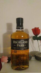 Eine Flasche Highland Park 12 Jahre
