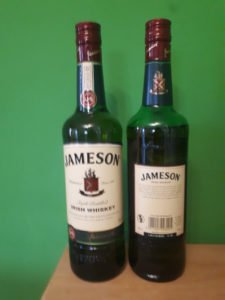 Flasche Jameson vorne und hinten